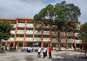 Trường THPT Nguyễn Hữu Huân