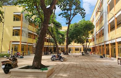 Trường THCS Trương Công Định